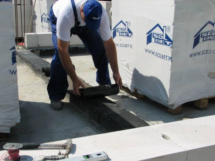 Untergrund für die Dachpappe vorbereiten