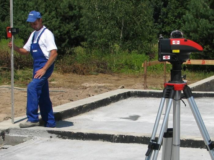 Laser Niveliergerät zum Einmessen, Ausrichtung und Nivelierung